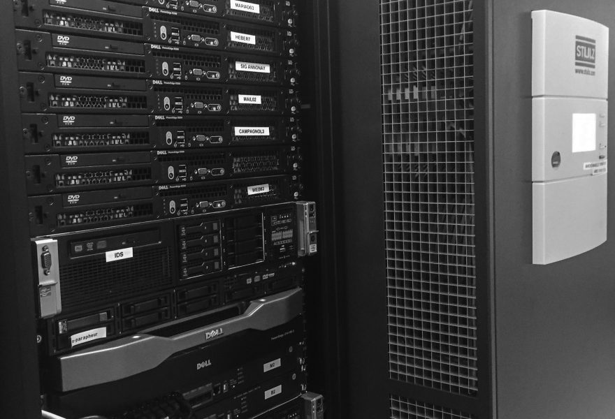 Data center Inforoutes serveurs